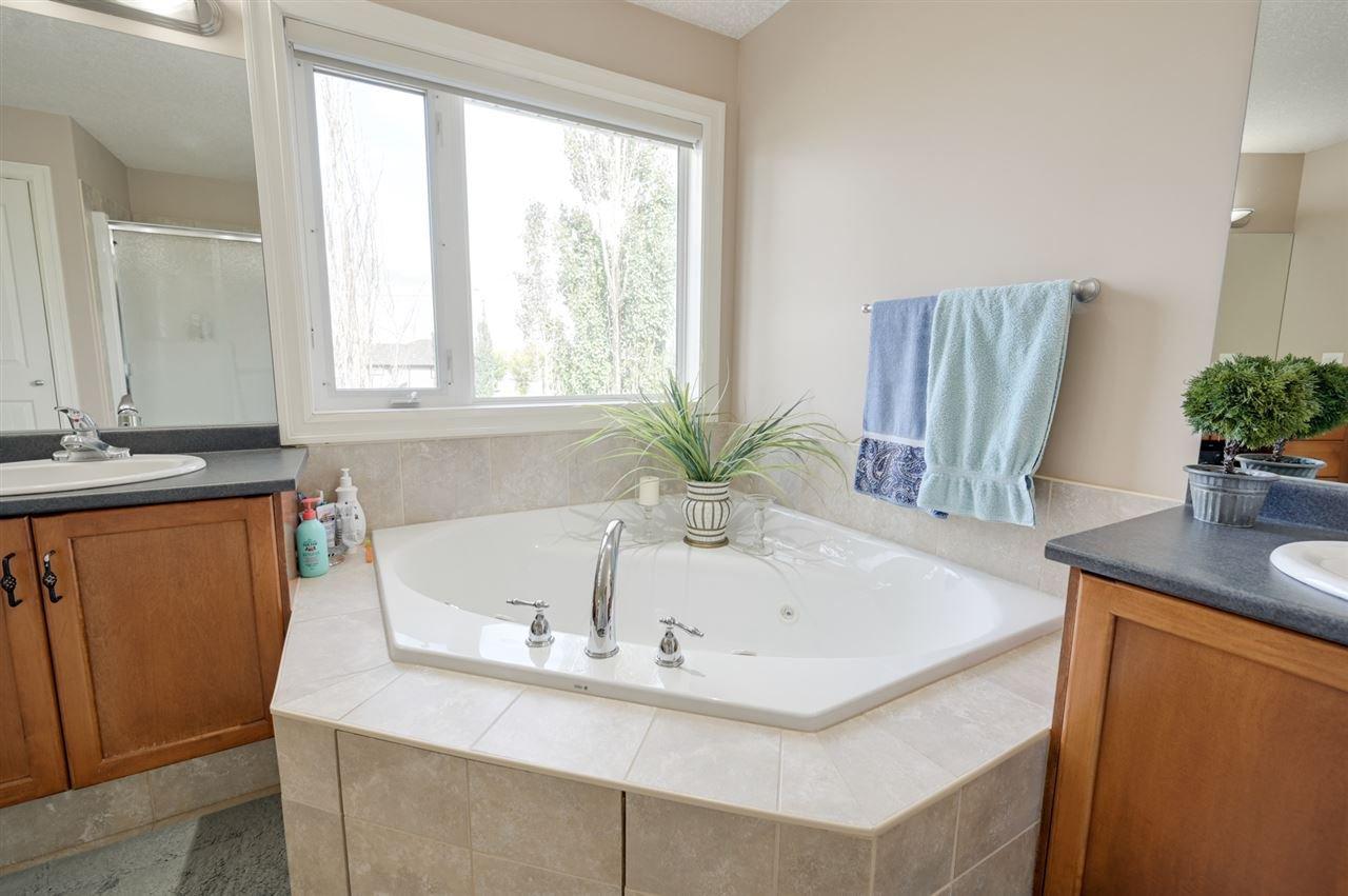 Photo 19: Photos: 2469 TEGLER Green in Edmonton: Zone 14 House for sale : MLS®# E4174274