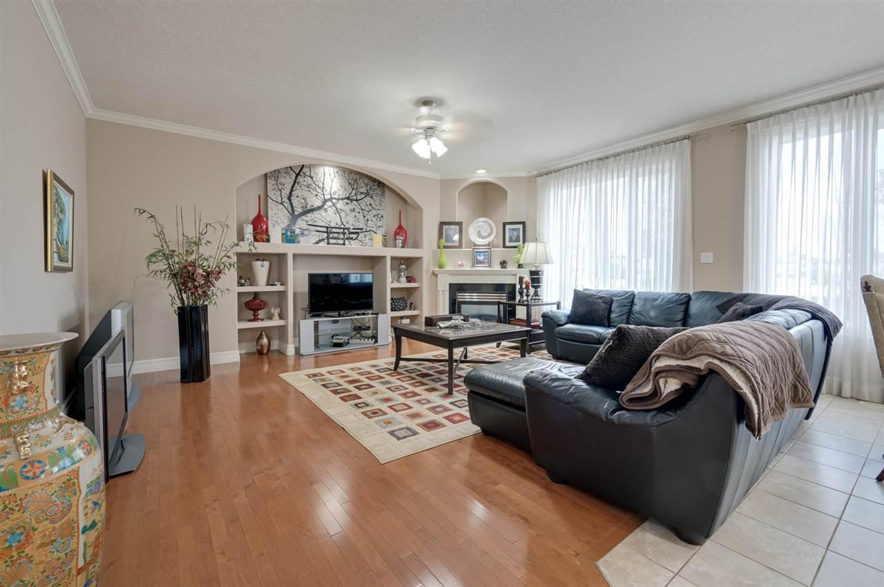 Photo 8: Photos: 2469 TEGLER Green in Edmonton: Zone 14 House for sale : MLS®# E4174274