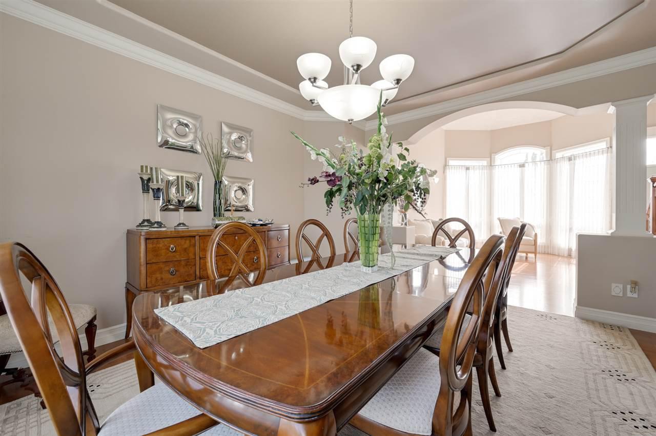 Photo 7: Photos: 2469 TEGLER Green in Edmonton: Zone 14 House for sale : MLS®# E4174274
