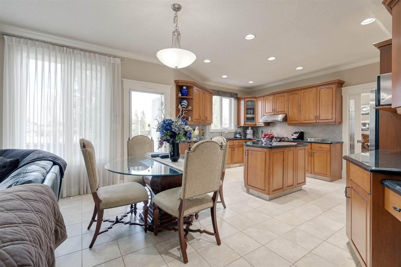 Photo 11: Photos: 2469 TEGLER Green in Edmonton: Zone 14 House for sale : MLS®# E4174274