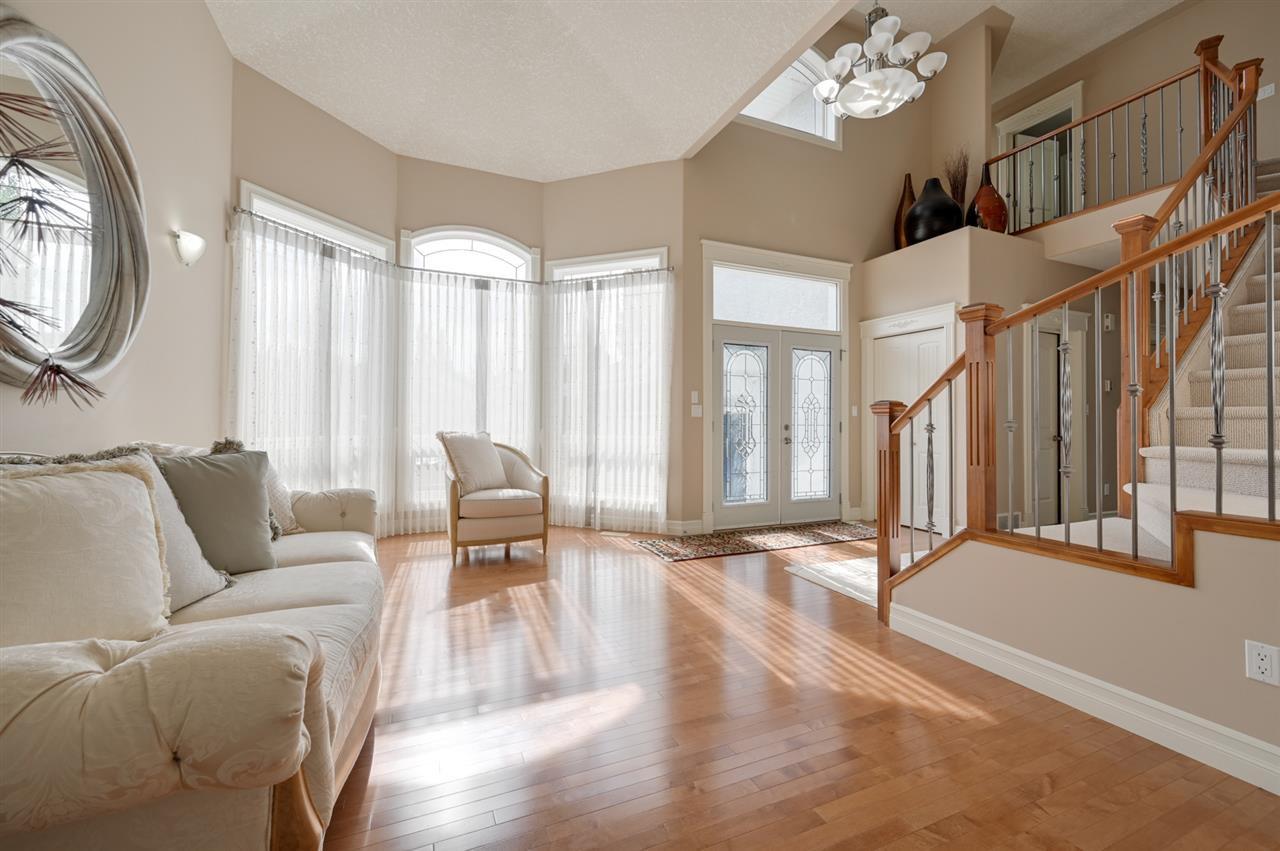 Photo 5: Photos: 2469 TEGLER Green in Edmonton: Zone 14 House for sale : MLS®# E4174274