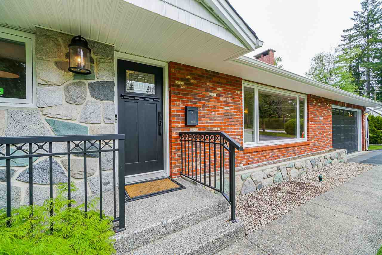 Main Photo: 660 GATENSBURY Street in Coquitlam: Central Coquitlam House for sale : MLS®# R2452686