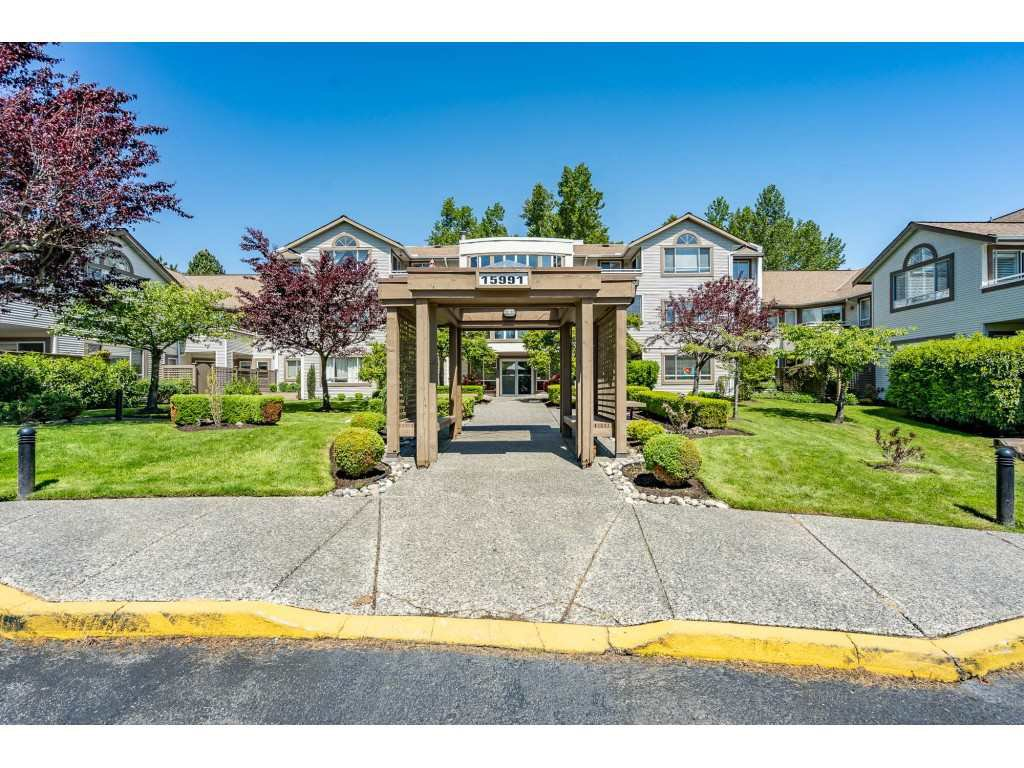 "Main Photo: 219 15991 THRIFT Avenue: White Rock Condo for sale in ""ARCADIAN"" (South Surrey White Rock)  : MLS®# R2456477"