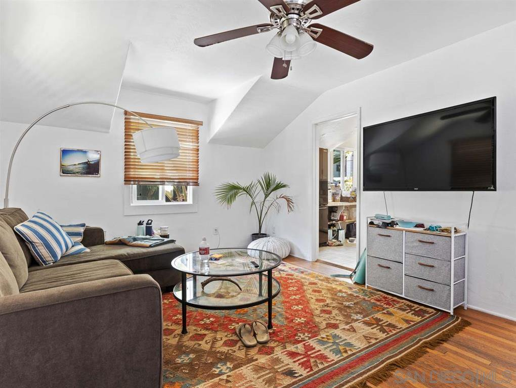 Main Photo: LA JOLLA House for sale : 1 bedrooms : 453 Westbourne Street