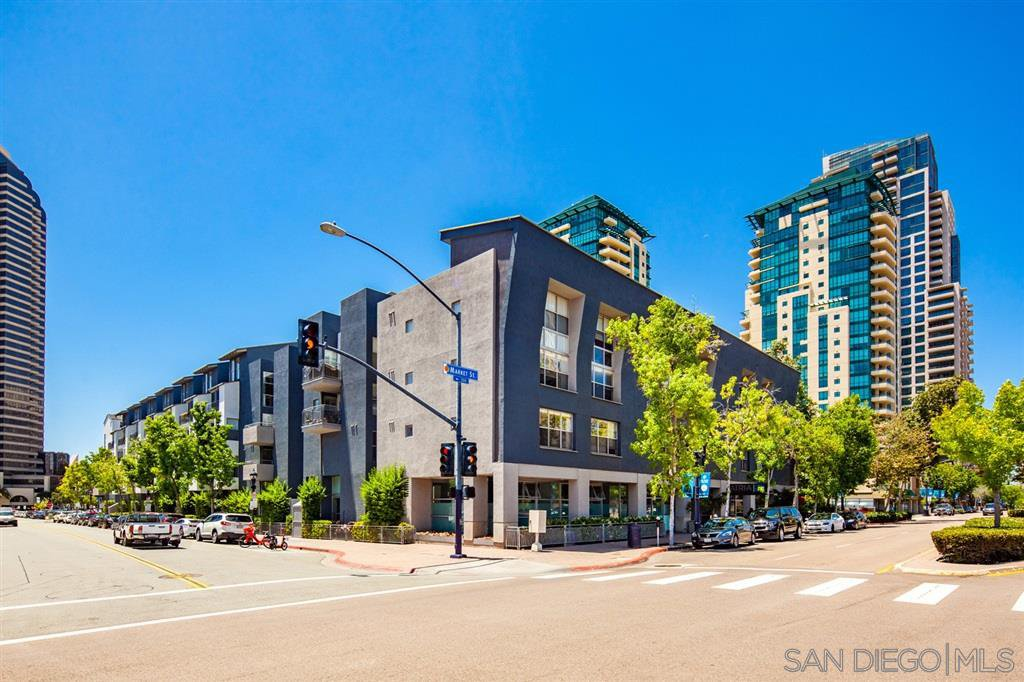 Main Photo: DOWNTOWN Condo for sale : 1 bedrooms : 101 Market #216 in San Diego