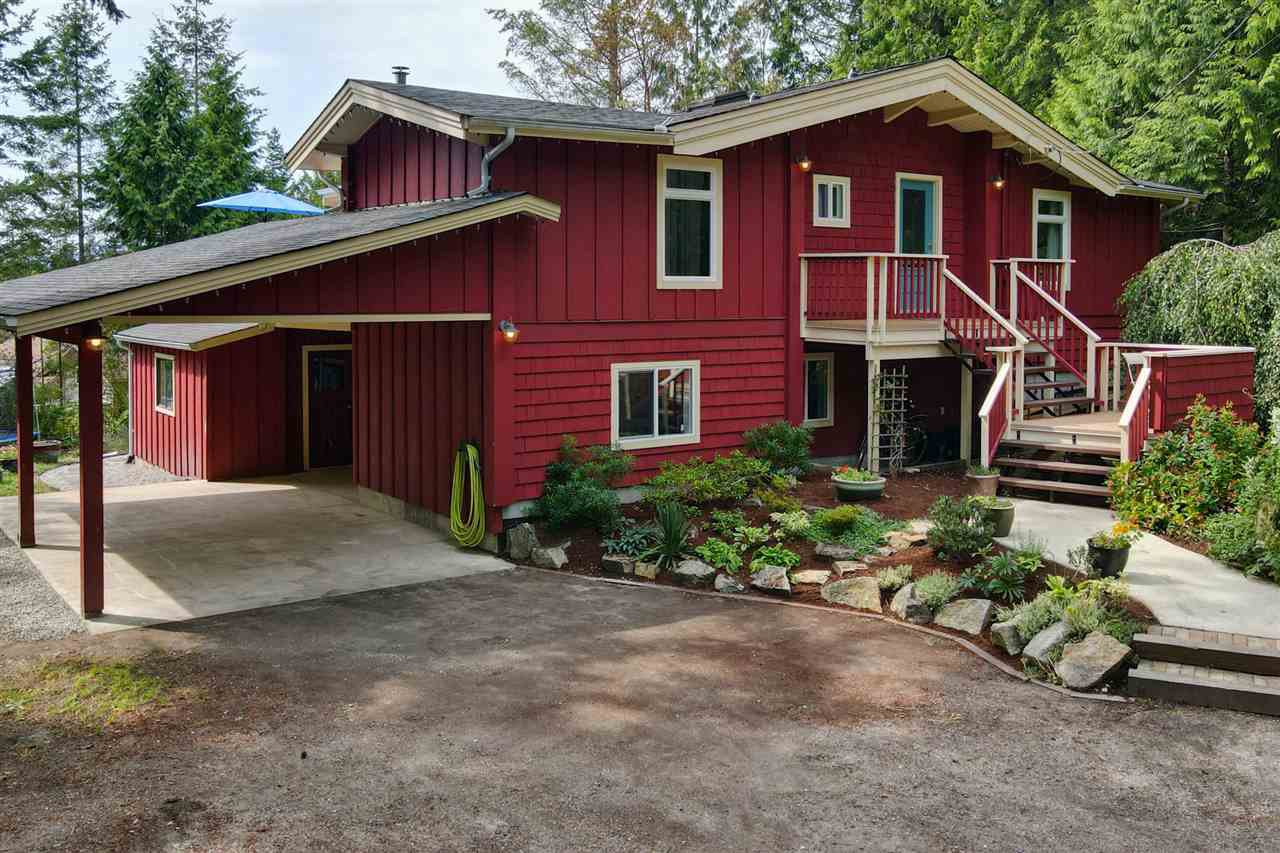 Main Photo: 8967 REDROOFFS Road in Halfmoon Bay: Halfmn Bay Secret Cv Redroofs House for sale (Sunshine Coast)  : MLS®# R2486282