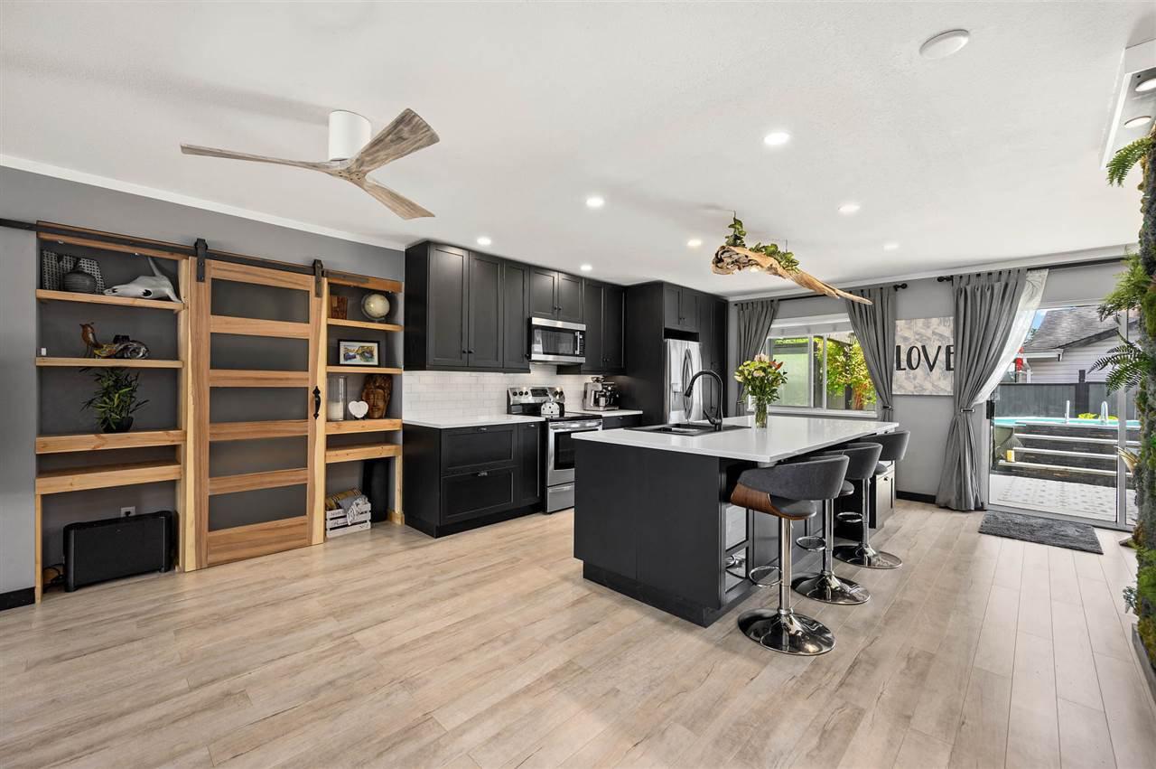Main Photo: 11750 GLENHURST Street in Maple Ridge: Cottonwood MR House for sale : MLS®# R2497809