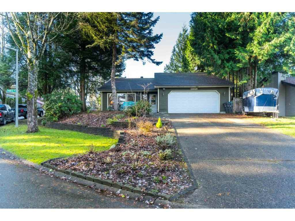 """Main Photo: 15929 102A Avenue in Surrey: Guildford House for sale in """"Somerset"""" (North Surrey)  : MLS®# R2522062"""
