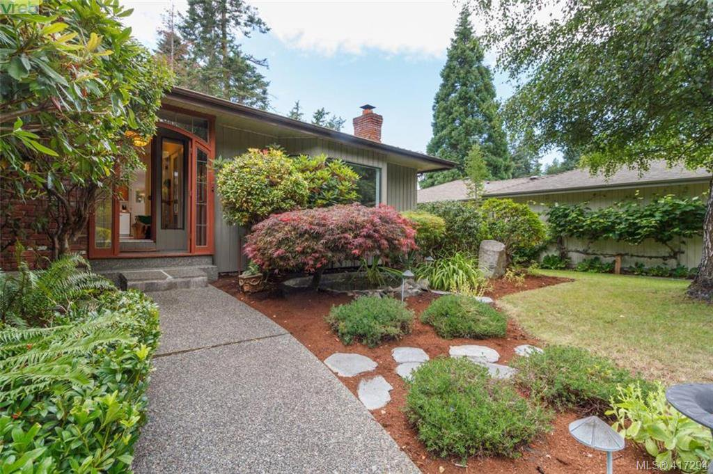 Main Photo: 4490 Copsewood Place in VICTORIA: SE Broadmead Single Family Detached for sale (Saanich East)  : MLS®# 417294