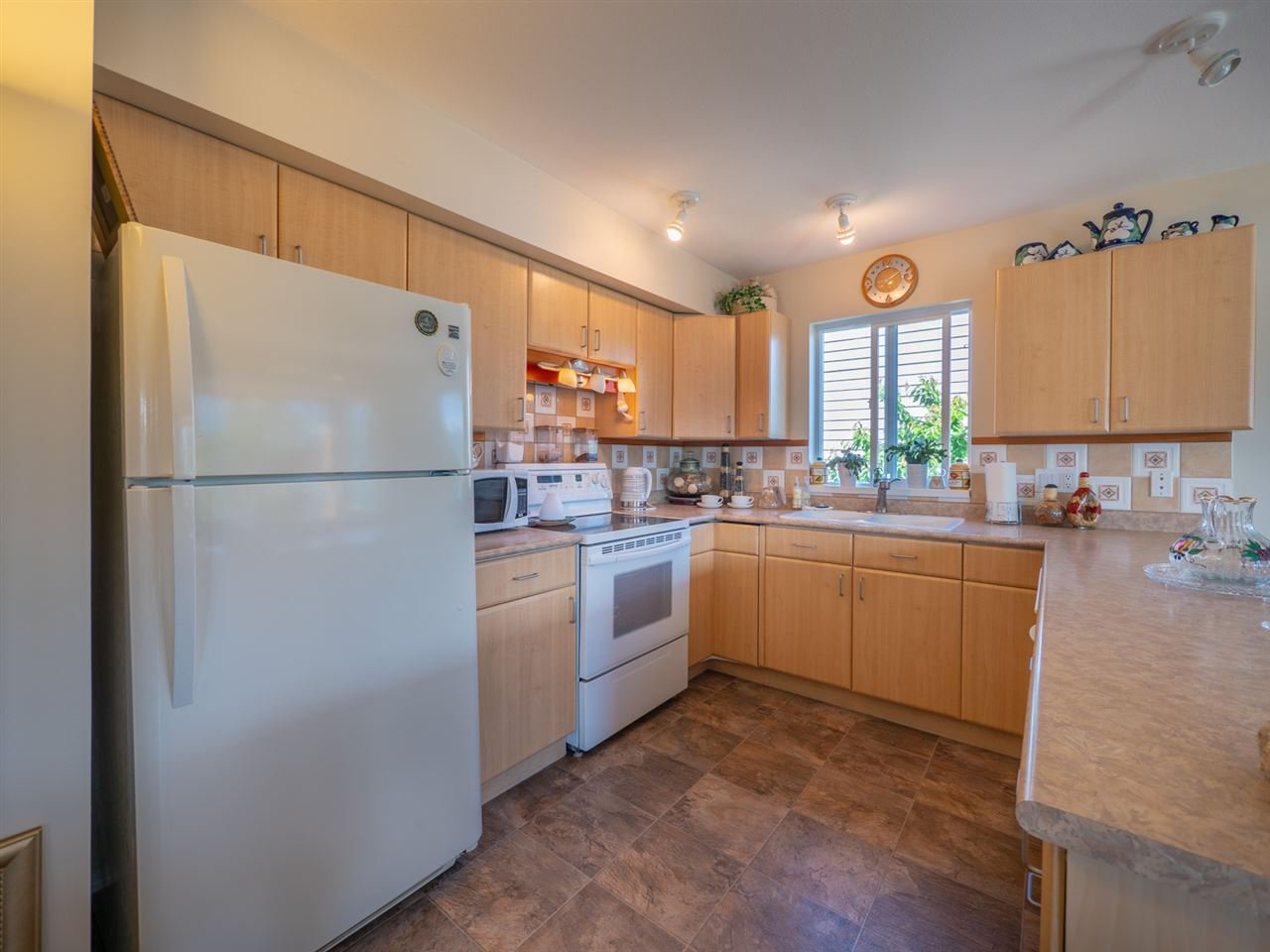 """Photo 5: Photos: 6148 POISE ISLAND Drive in Sechelt: Sechelt District House for sale in """"POISE ISLAND"""" (Sunshine Coast)  : MLS®# R2426642"""