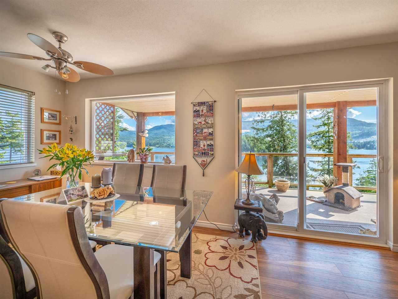 "Photo 4: Photos: 6148 POISE ISLAND Drive in Sechelt: Sechelt District House for sale in ""POISE ISLAND"" (Sunshine Coast)  : MLS®# R2426642"
