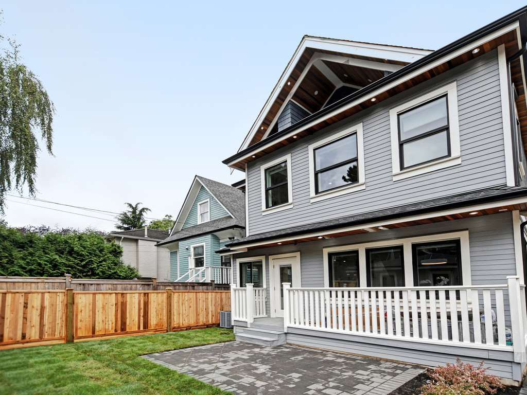 Main Photo: 1760 E 14TH AVENUE in Vancouver: Grandview Woodland House 1/2 Duplex for sale (Vancouver East)  : MLS®# R2403683