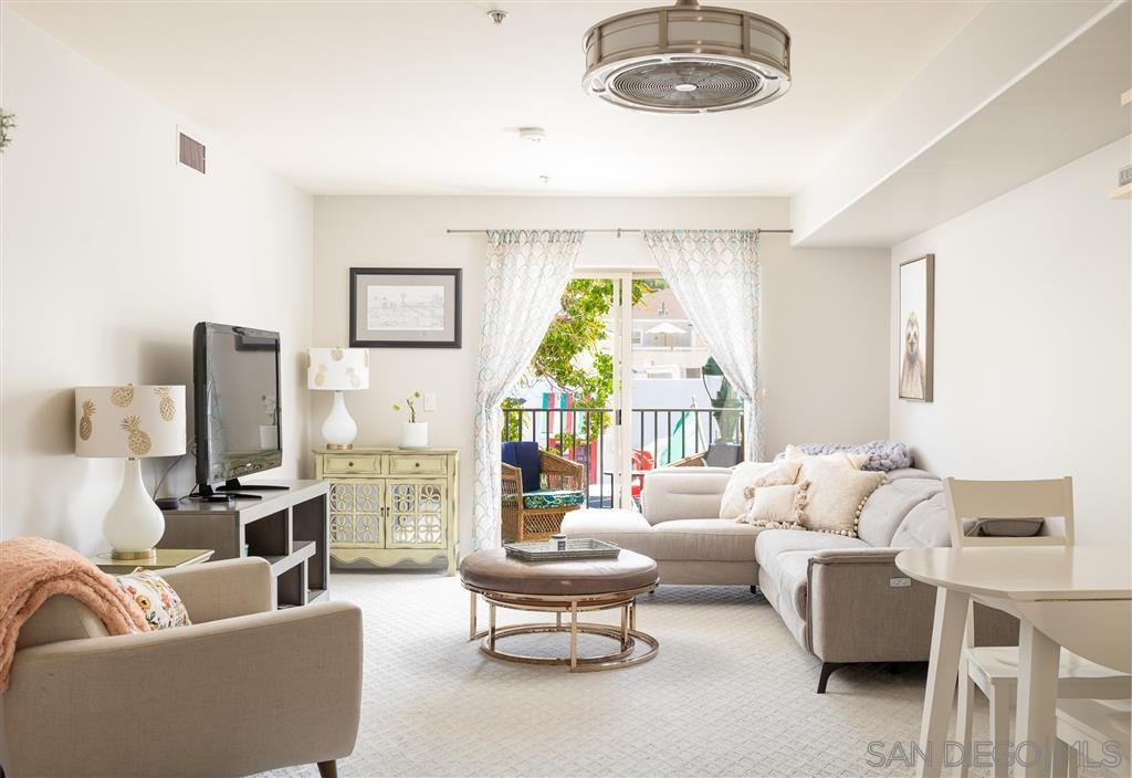 Main Photo: DOWNTOWN Condo for sale : 2 bedrooms : 801 W Hawthorn St #207 in San Diego