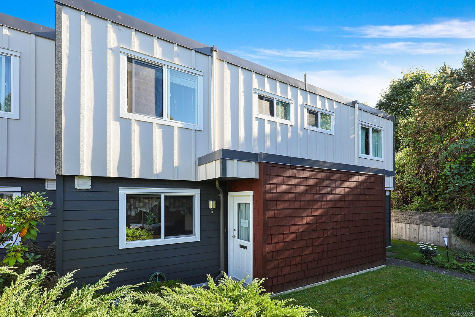 Main Photo: 5 255 Anderton Ave in : CV Courtenay City Row/Townhouse for sale (Comox Valley)  : MLS®# 855585