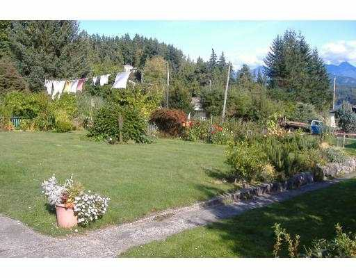 Photo 4: Photos: 1550 THOMPSON Road in Gibsons: Gibsons & Area House for sale (Sunshine Coast)  : MLS®# V615088