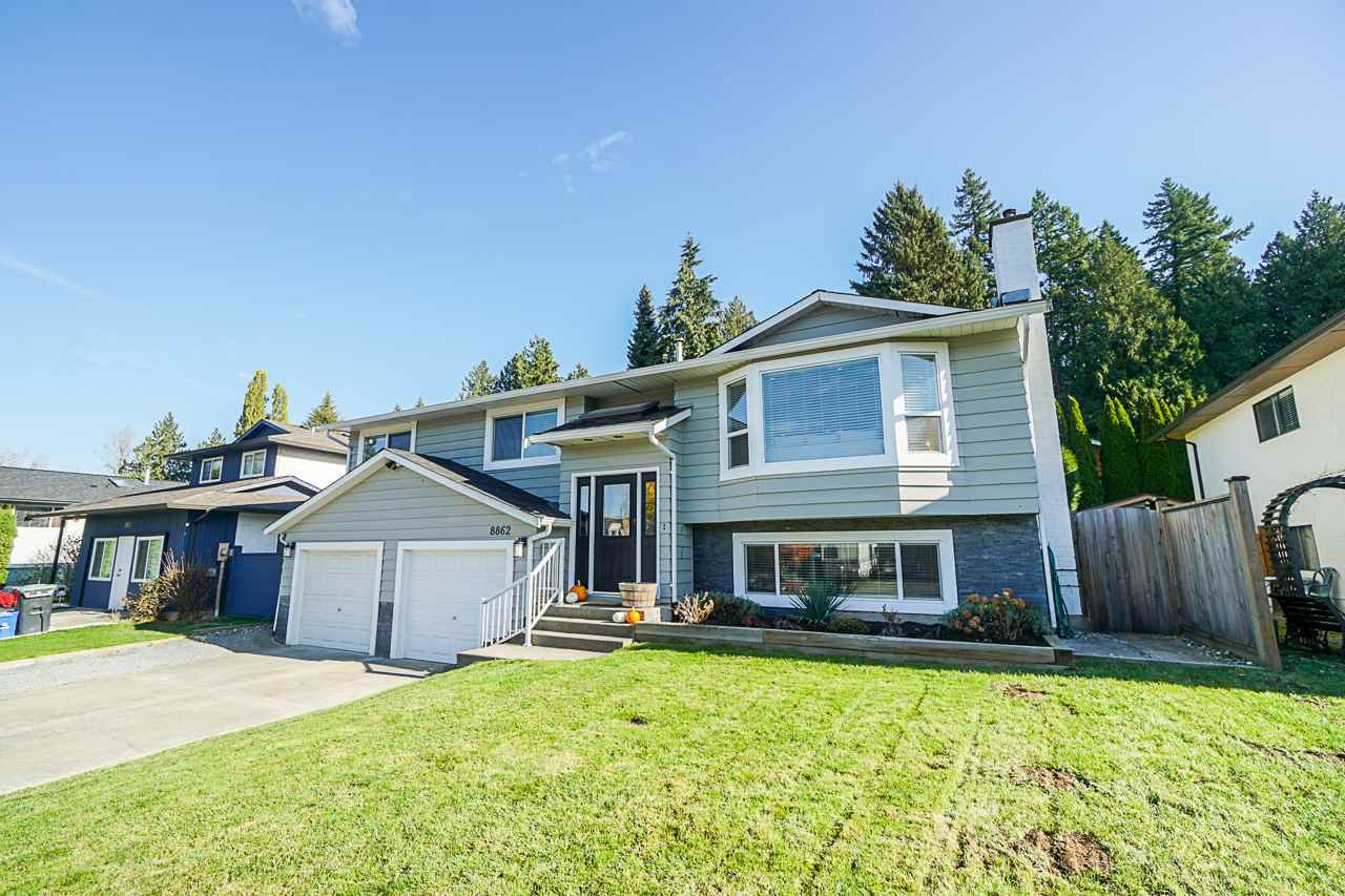Main Photo: 8862 205 Street in Langley: Walnut Grove House for sale : MLS®# R2416184
