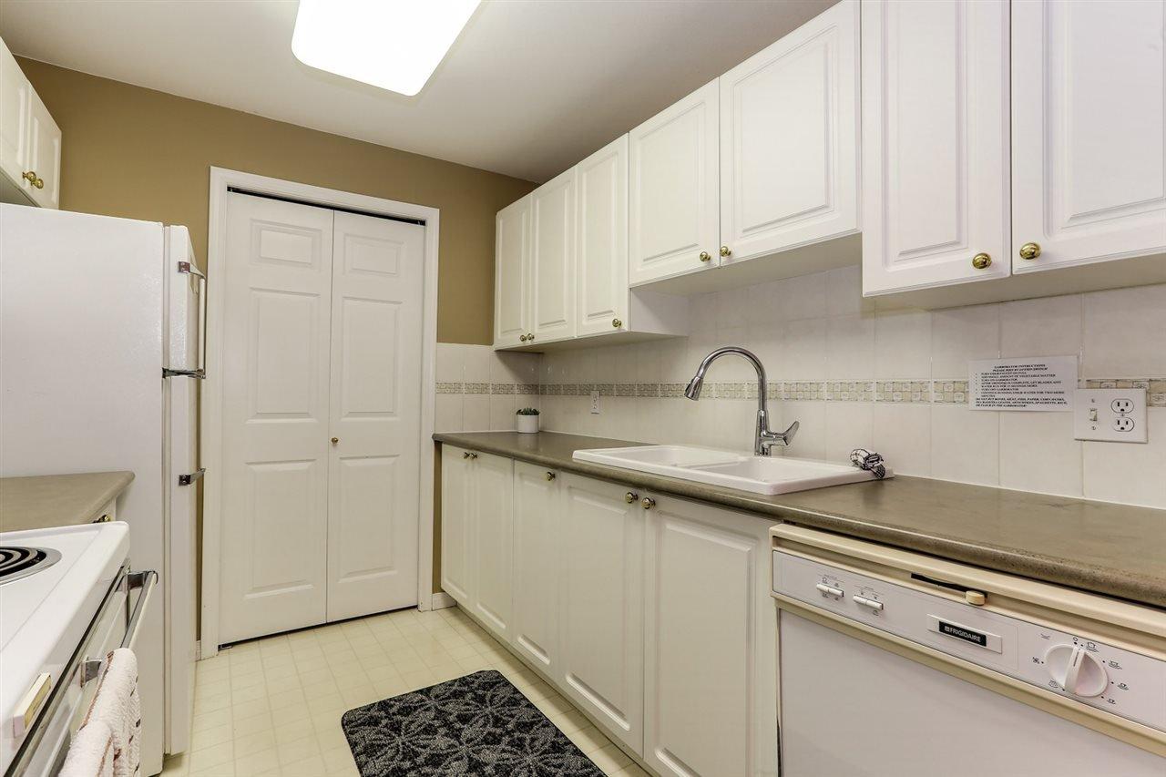 Photo 9: Photos: 107 4768 53 STREET in Delta: Delta Manor Condo for sale (Ladner)  : MLS®# R2397394