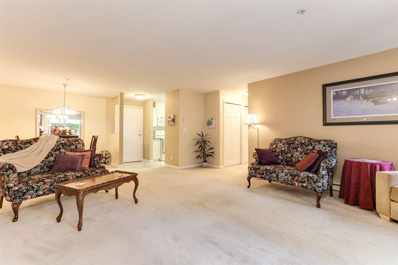 Photo 5: Photos: 107 4768 53 STREET in Delta: Delta Manor Condo for sale (Ladner)  : MLS®# R2397394