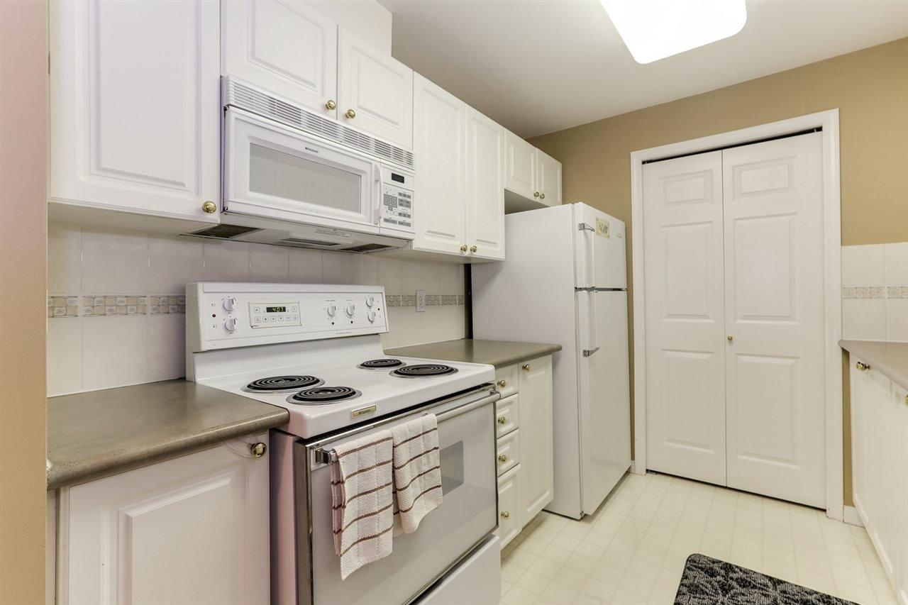 Photo 10: Photos: 107 4768 53 STREET in Delta: Delta Manor Condo for sale (Ladner)  : MLS®# R2397394