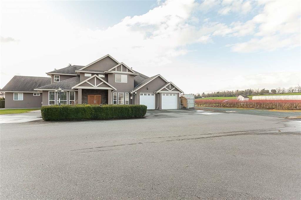 Main Photo: 405 Defehr Road in Abbotsford: House  : MLS®# R2420159