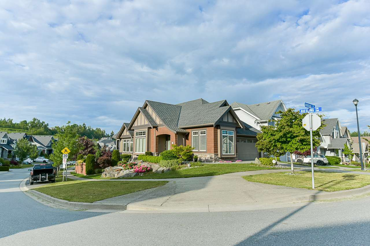 "Main Photo: 29305 BORDEAUX Terrace in Abbotsford: Aberdeen House for sale in ""Pepin Brook"" : MLS®# R2439519"