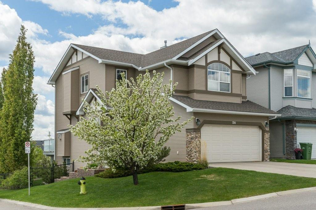 Main Photo: 234 SPRINGBOROUGH Way SW in Calgary: Springbank Hill Detached for sale : MLS®# C4300509