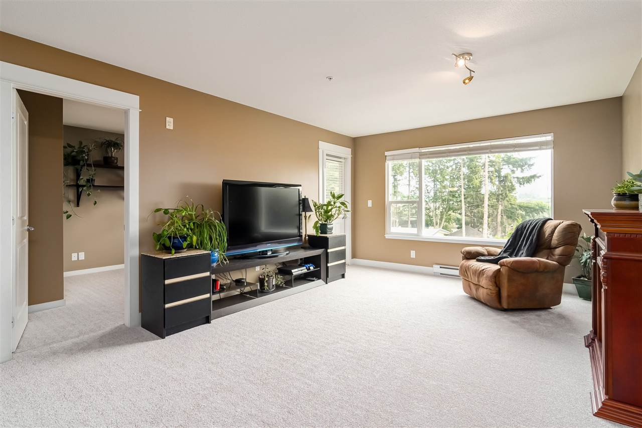 """Photo 9: Photos: 312 2990 BOULDER Street in Abbotsford: Abbotsford West Condo for sale in """"Westwood"""" : MLS®# R2499074"""