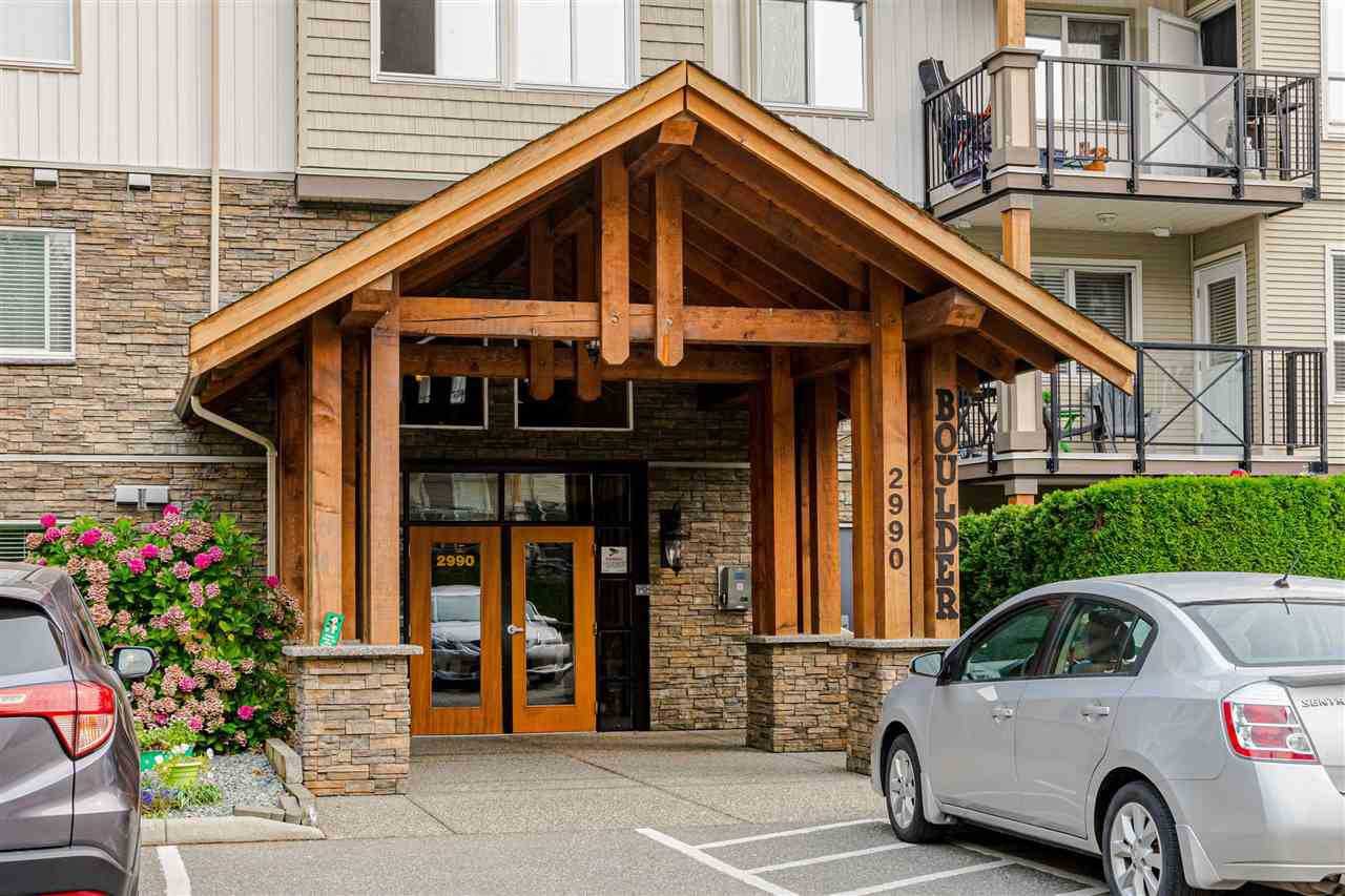 """Photo 1: Photos: 312 2990 BOULDER Street in Abbotsford: Abbotsford West Condo for sale in """"Westwood"""" : MLS®# R2499074"""