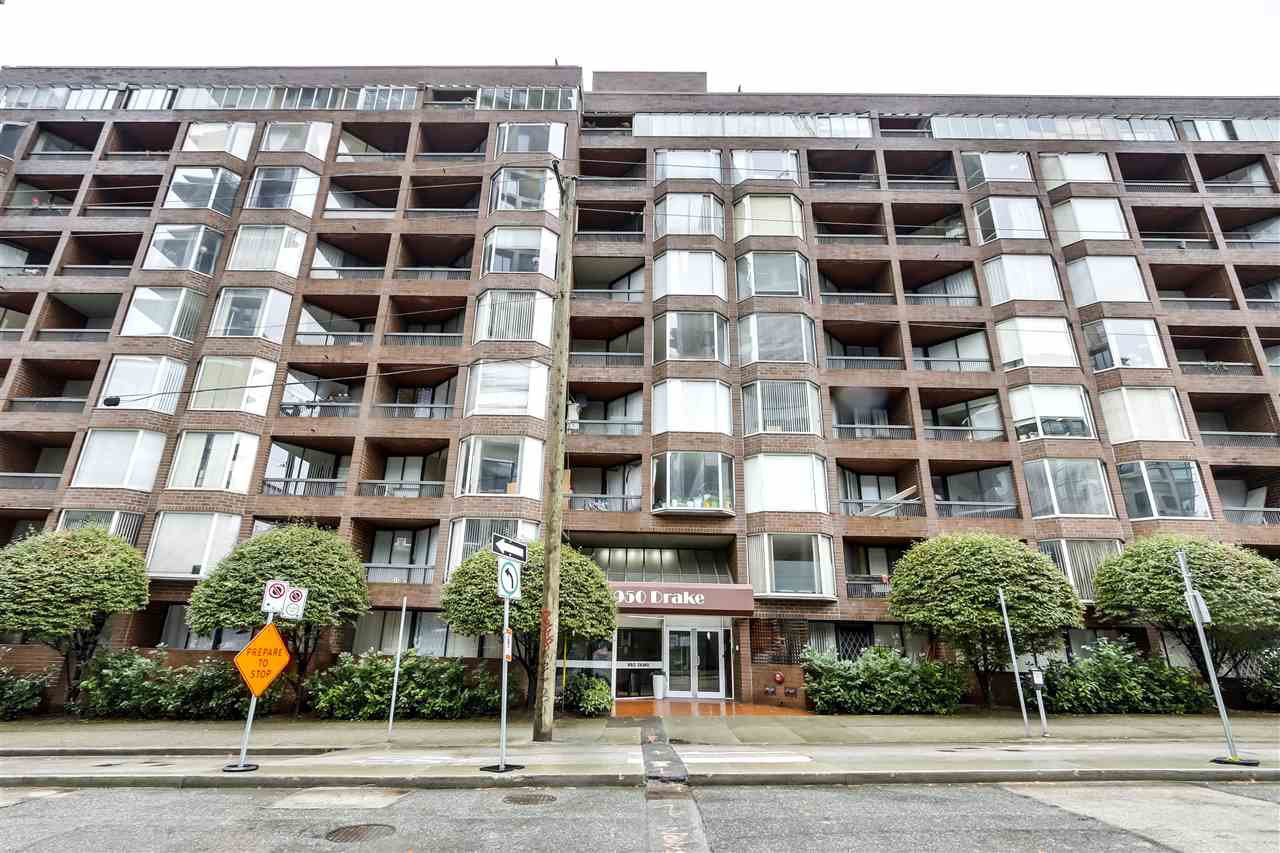 "Main Photo: 707 950 DRAKE Street in Vancouver: Downtown VW Condo for sale in ""ANCHOR POINT 2"" (Vancouver West)  : MLS®# R2512201"