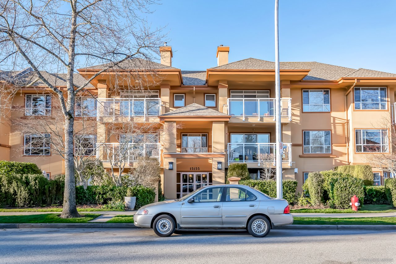 "Main Photo: 310 15155 22 Avenue in Surrey: Sunnyside Park Surrey Condo for sale in ""Villa Pacific"" (South Surrey White Rock)  : MLS®# R2445742"