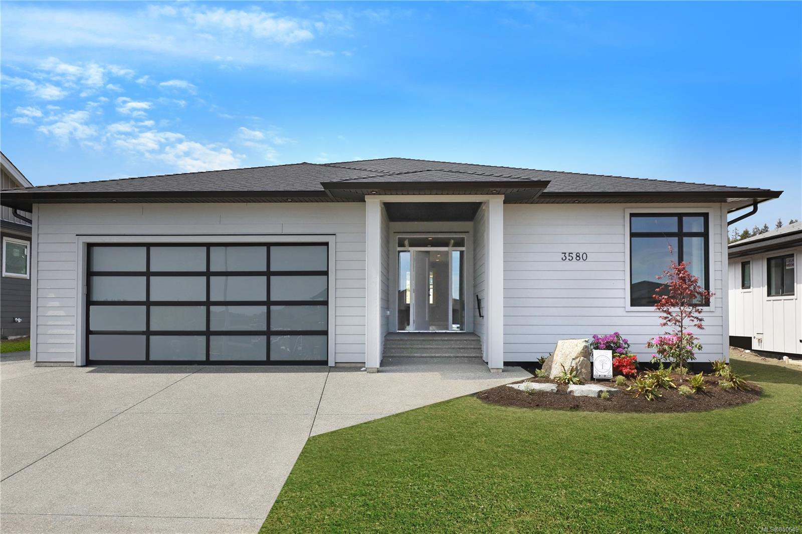 Main Photo: 752 Sitka St in : CR Willow Point Single Family Detached for sale (Campbell River)  : MLS®# 850649