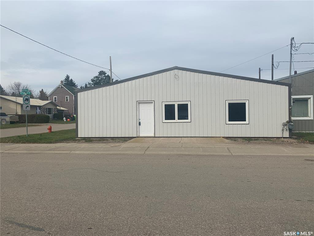 Main Photo: 501 Otterloo Street in Indian Head: Commercial for sale : MLS®# SK828388