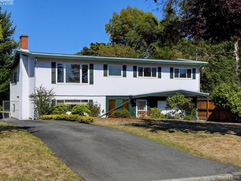 Main Photo: 1210/1208 Wychbury Avenue in VICTORIA: Es Saxe Point Single Family Detached for sale (Esquimalt)  : MLS®# 415125