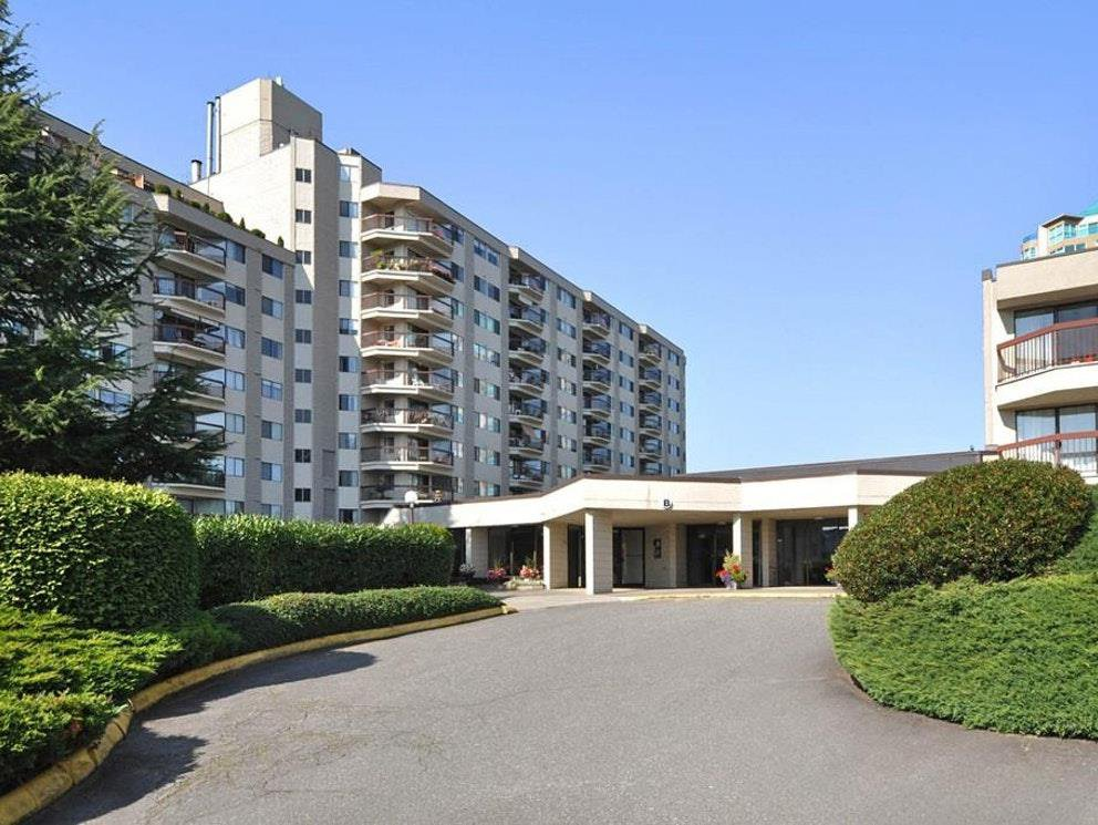 "Main Photo: 407 31955 OLD YALE Road in Abbotsford: Abbotsford West Condo for sale in ""Evergreen Village"" : MLS®# R2415695"