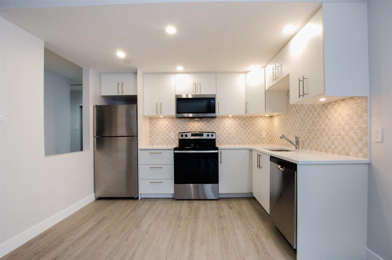 "Main Photo: 801 2012 FULLERTON Avenue in North Vancouver: Pemberton NV Condo for sale in ""WOODCROFT ESTATES"" : MLS®# R2427297"
