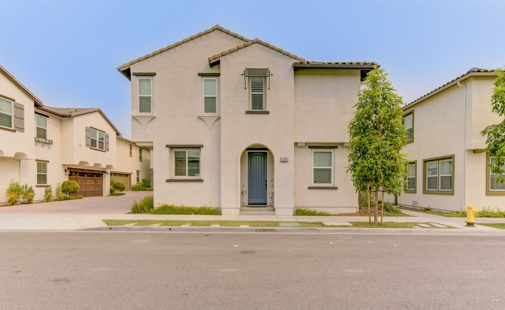 Main Photo: OCEANSIDE House for sale : 4 bedrooms : 4128 Via Del Ray