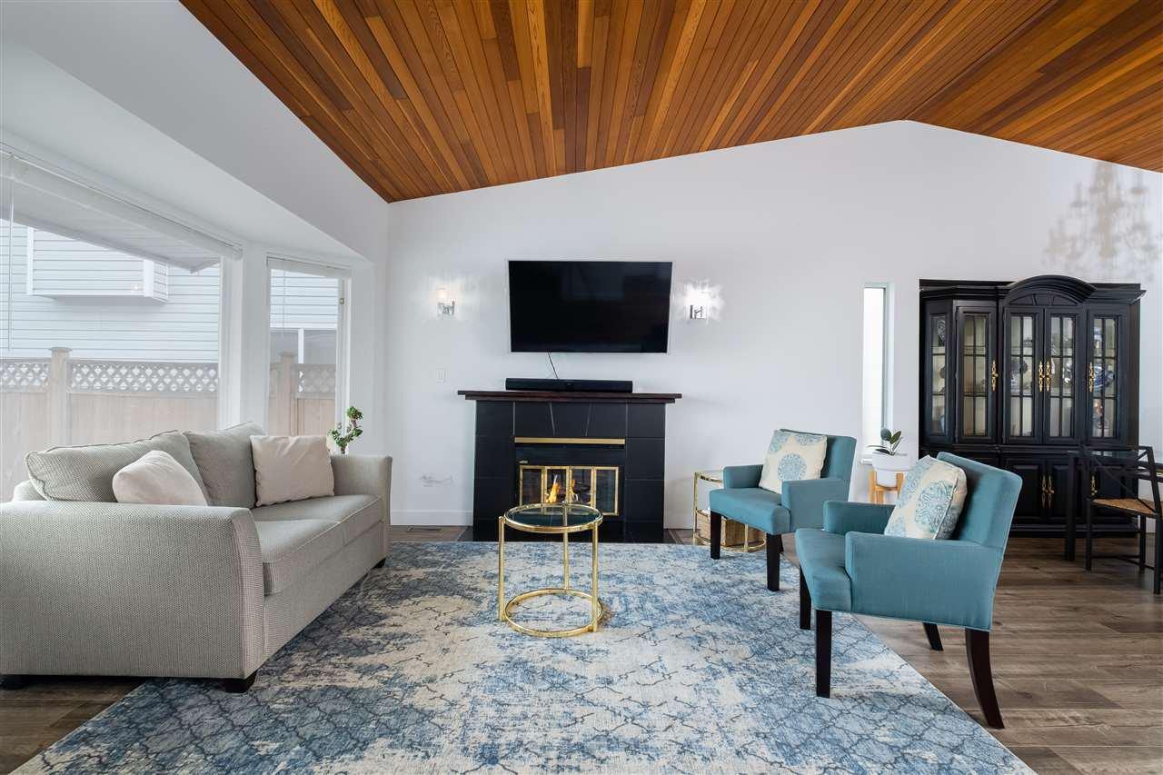Main Photo: 20194 116B Avenue in Maple Ridge: Southwest Maple Ridge House for sale : MLS®# R2499112