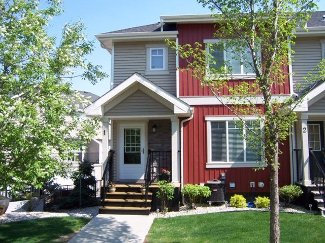 Main Photo: 1 675 ALBANY Way in Edmonton: Zone 27 Townhouse for sale : MLS®# E4179424