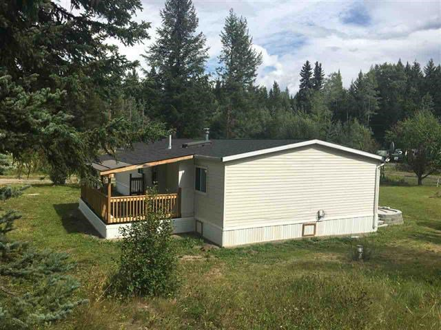 Photo 2: Photos: 2404 N VERNON Road in Quesnel: Bouchie Lake Manufactured Home for sale (Quesnel (Zone 28))  : MLS®# R2492081