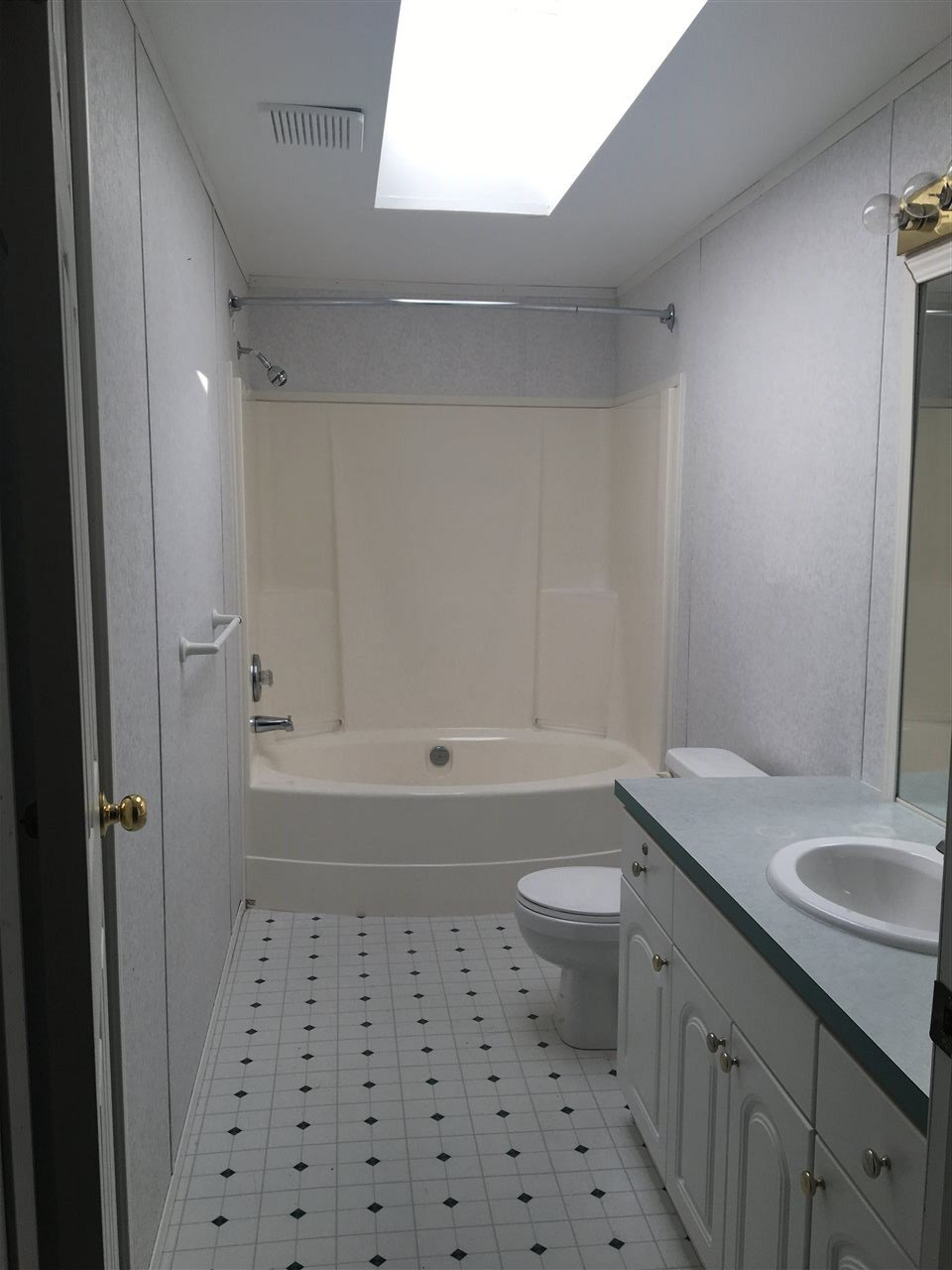 Photo 11: Photos: 2404 N VERNON Road in Quesnel: Bouchie Lake Manufactured Home for sale (Quesnel (Zone 28))  : MLS®# R2492081