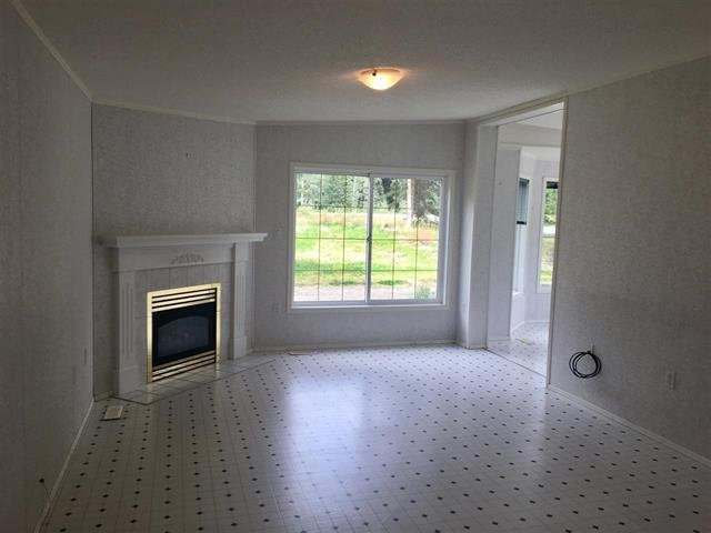 Photo 4: Photos: 2404 N VERNON Road in Quesnel: Bouchie Lake Manufactured Home for sale (Quesnel (Zone 28))  : MLS®# R2492081