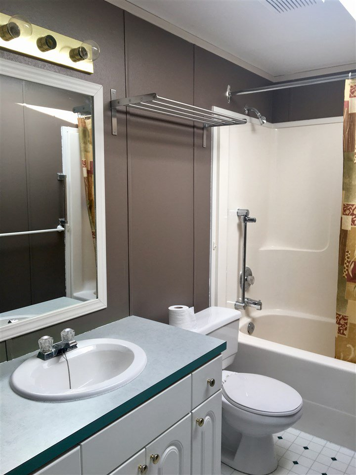 Photo 13: Photos: 2404 N VERNON Road in Quesnel: Bouchie Lake Manufactured Home for sale (Quesnel (Zone 28))  : MLS®# R2492081