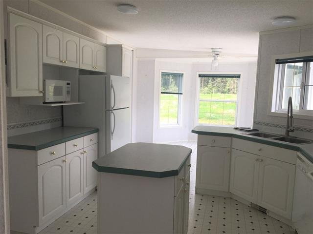 Photo 8: Photos: 2404 N VERNON Road in Quesnel: Bouchie Lake Manufactured Home for sale (Quesnel (Zone 28))  : MLS®# R2492081