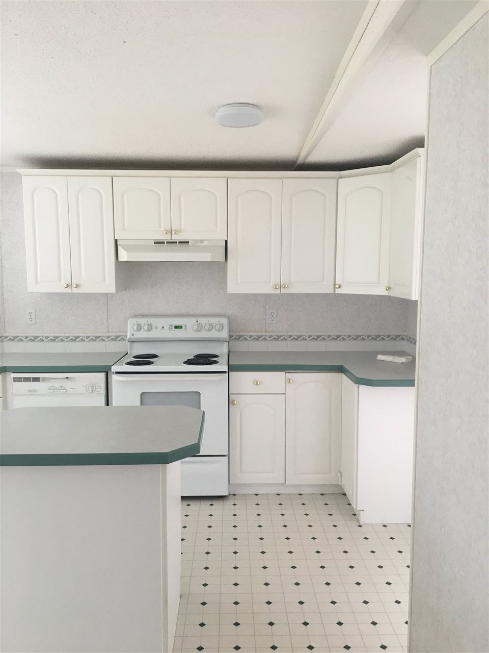 Photo 9: Photos: 2404 N VERNON Road in Quesnel: Bouchie Lake Manufactured Home for sale (Quesnel (Zone 28))  : MLS®# R2492081