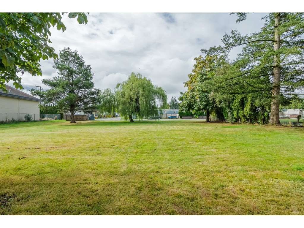 "Photo 20: Photos: 4 26892 FRASER Highway in Langley: Aldergrove Langley Manufactured Home for sale in ""Aldergrove Mobile Home Park"" : MLS®# R2409464"