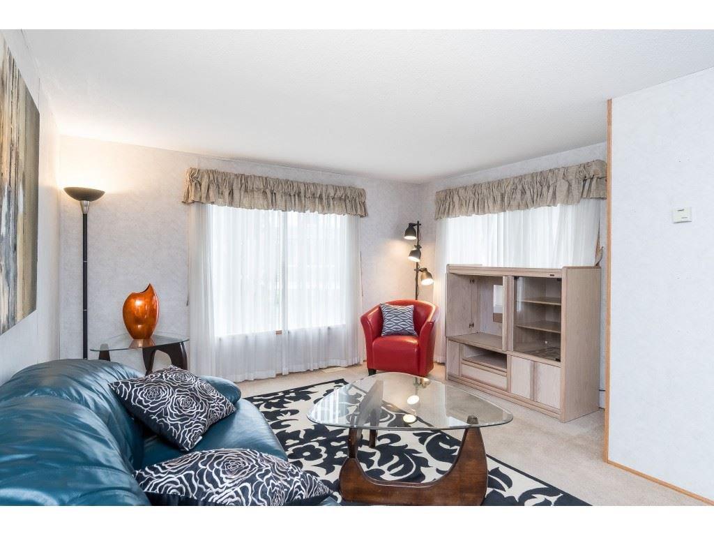 "Photo 11: Photos: 4 26892 FRASER Highway in Langley: Aldergrove Langley Manufactured Home for sale in ""Aldergrove Mobile Home Park"" : MLS®# R2409464"