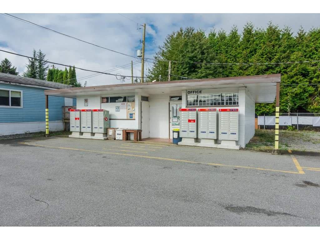 "Photo 18: Photos: 4 26892 FRASER Highway in Langley: Aldergrove Langley Manufactured Home for sale in ""Aldergrove Mobile Home Park"" : MLS®# R2409464"