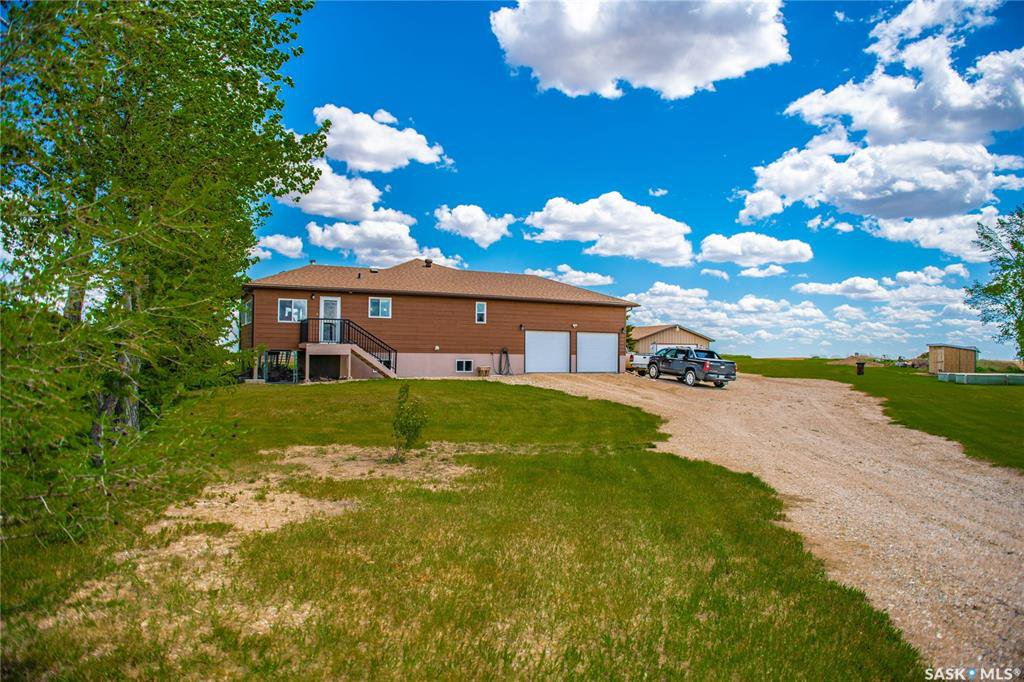 Main Photo: Sanchuck Acreage in Francis: Residential for sale (Francis Rm No. 127)  : MLS®# SK810956