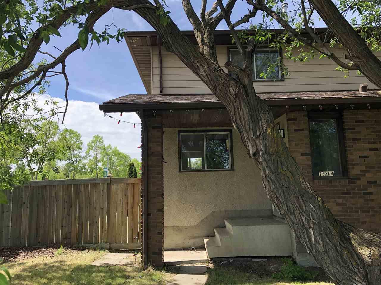 Main Photo: 15304 121 Street in Edmonton: Zone 27 House Half Duplex for sale : MLS®# E4202012