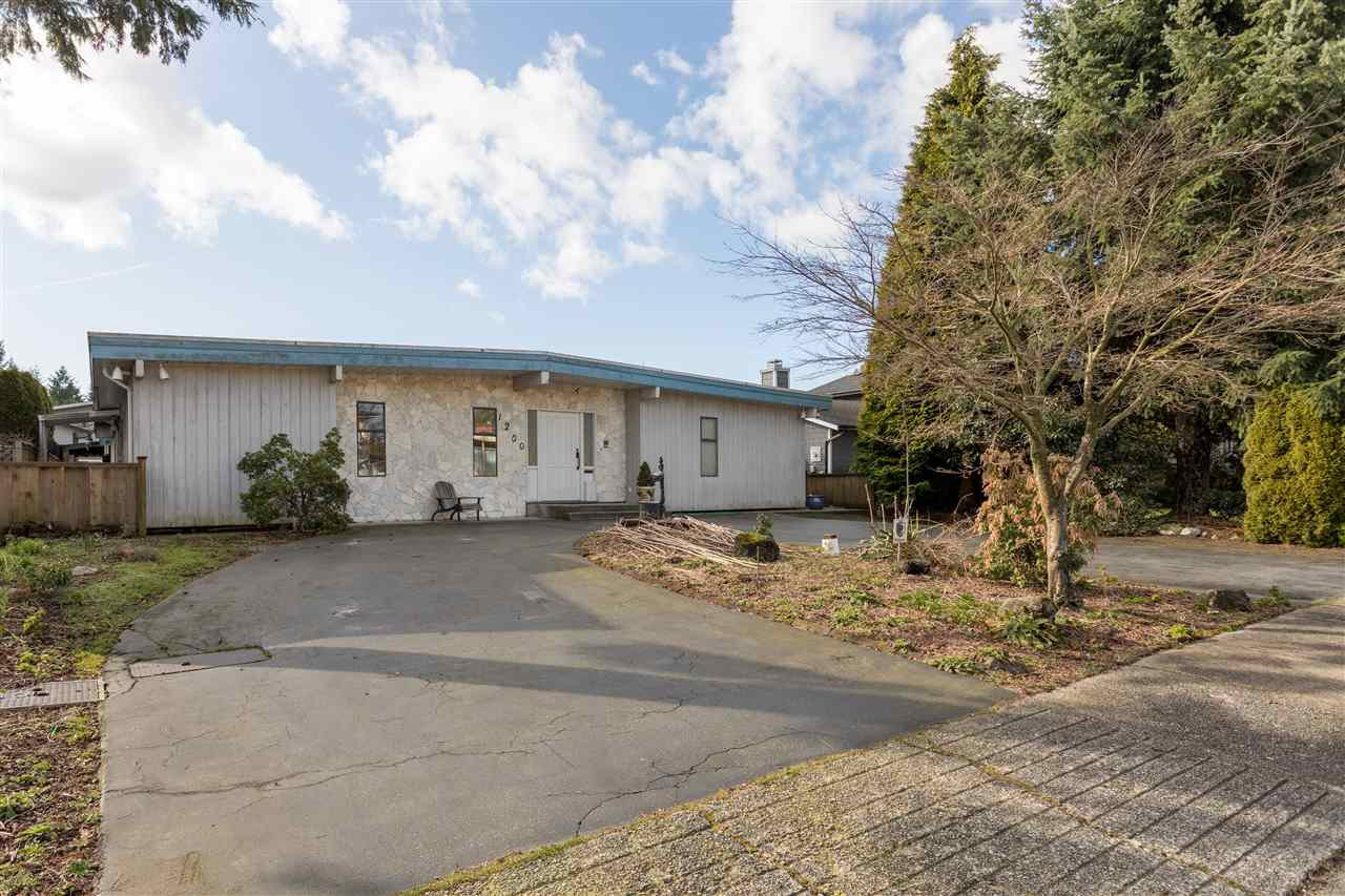 Main Photo: 1200 COTTONWOOD Avenue in Coquitlam: Central Coquitlam House for sale : MLS®# R2472001